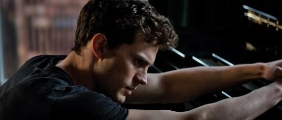 Jamie Dornan ist Christian Grey, dessen sexuelle Vorlieben offenbar etwas mit seiner Vergangenheit zu tun haben...