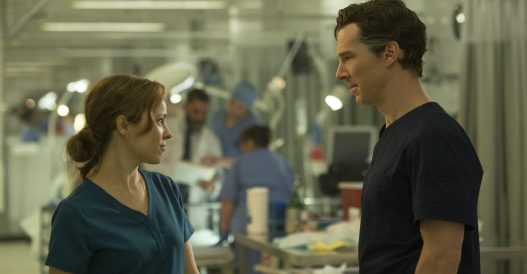 Christine Palmer und Stephen Strange lernen sich im Krankenhaus kennen und lieben.
