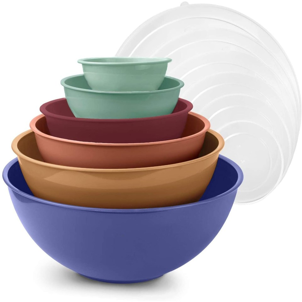 multicolor mixing bowls with lids