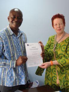 Prof. Dr. Yaw Ofosu-Kusi (l.) und Prof. Dr. Bea Lundt