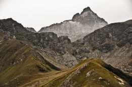 Croce Bulé, 1.813 m, mit Sicht auf den König aus Stein - Foto: © Wolfram Mikuteit