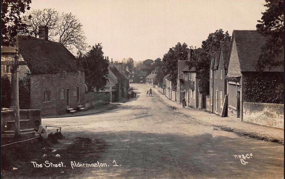 Aldermaston village 1922