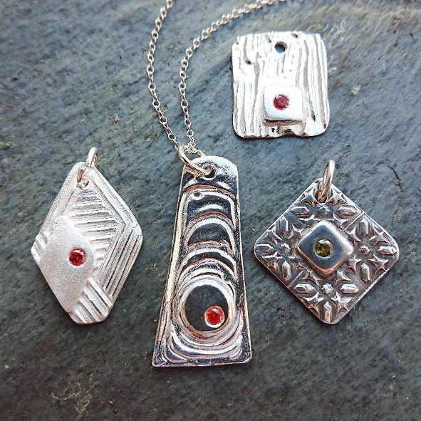 textured-pendants_orig