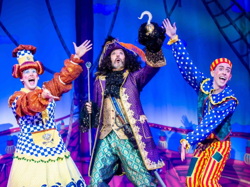 Review-Peter-Pan-Pantomime-Stafford-Gatehouse-Theatre-4