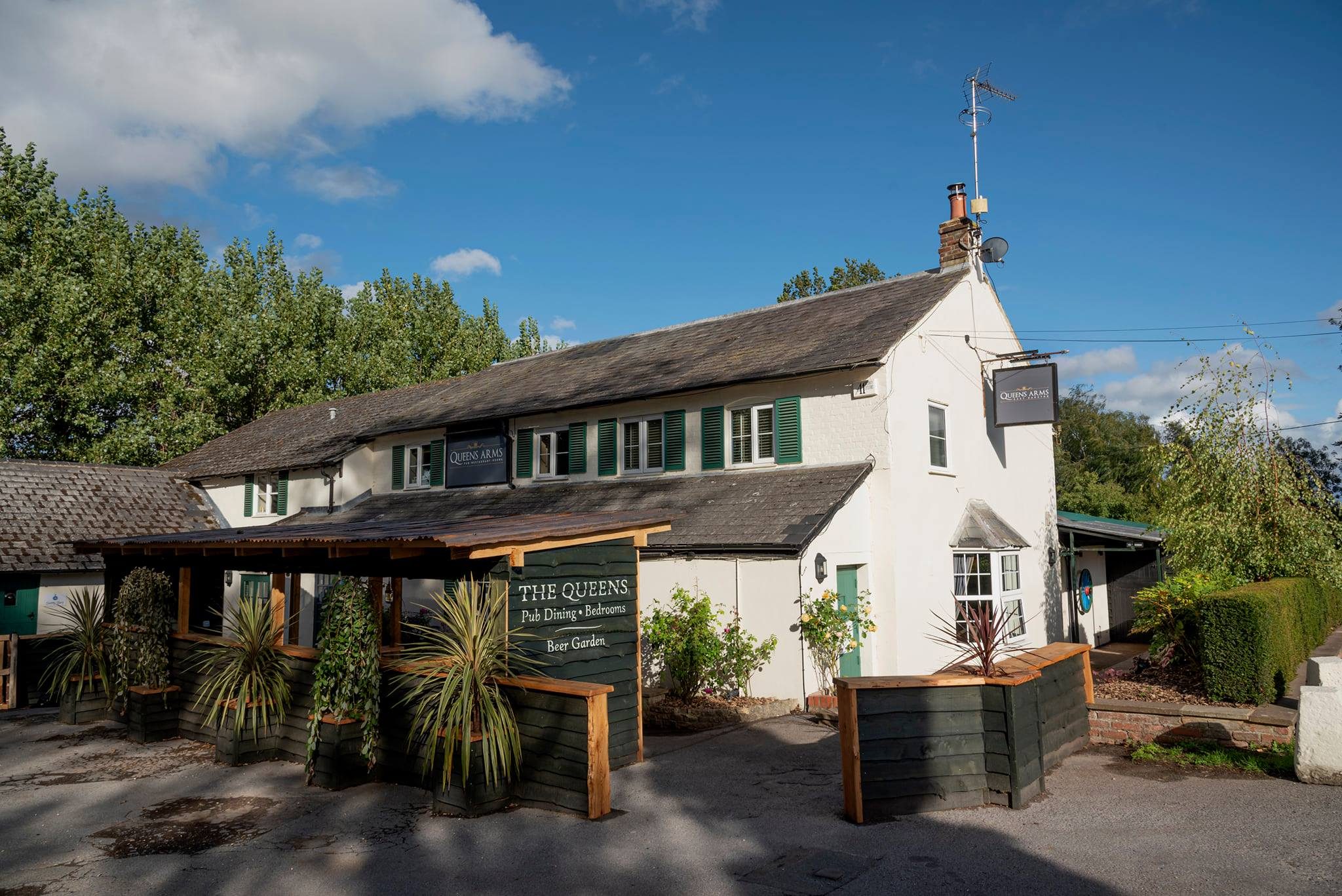 The Queen's Arms, East Garston   West Berkshire Villages