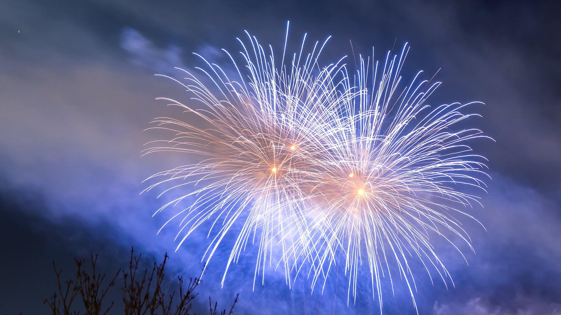 light vacation festival explosion