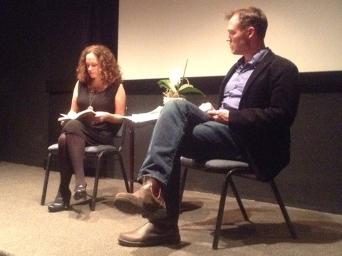 Lavinia and Rolf discussing travel writing