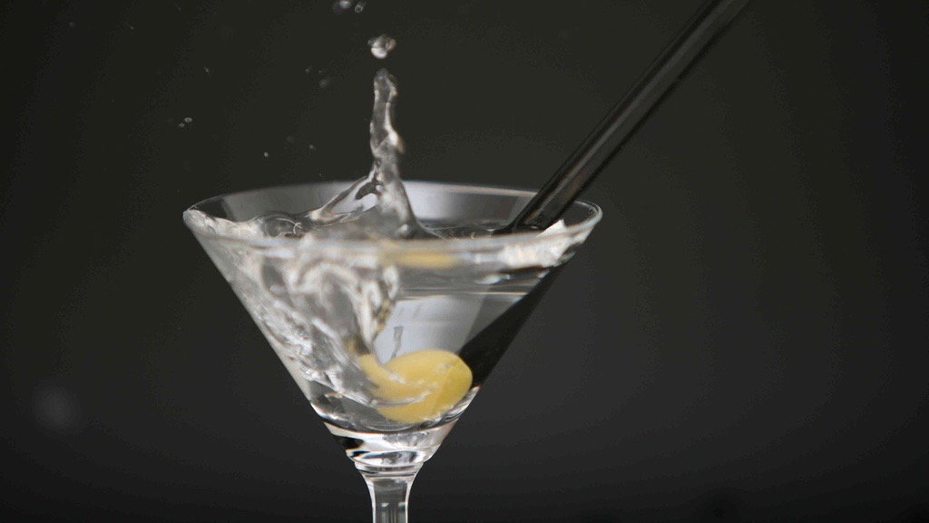 The Best And Worst Alcoholic Drinks For Your Waistline, Ranked By Calories