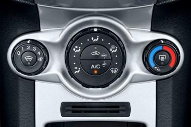 car-air-conditioning-controls