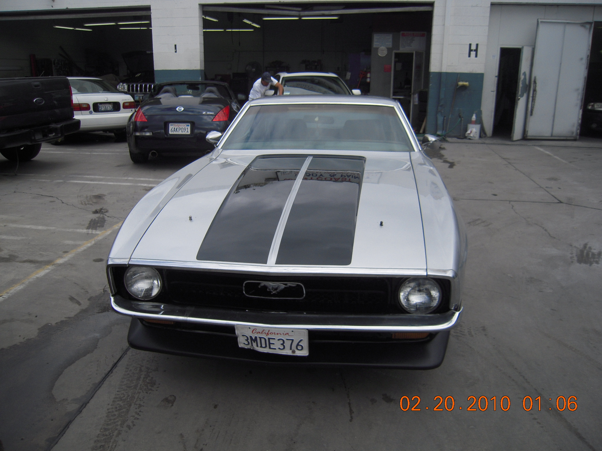 west-coast-body-and-paint-1971-mustang-mach-1-gray-36