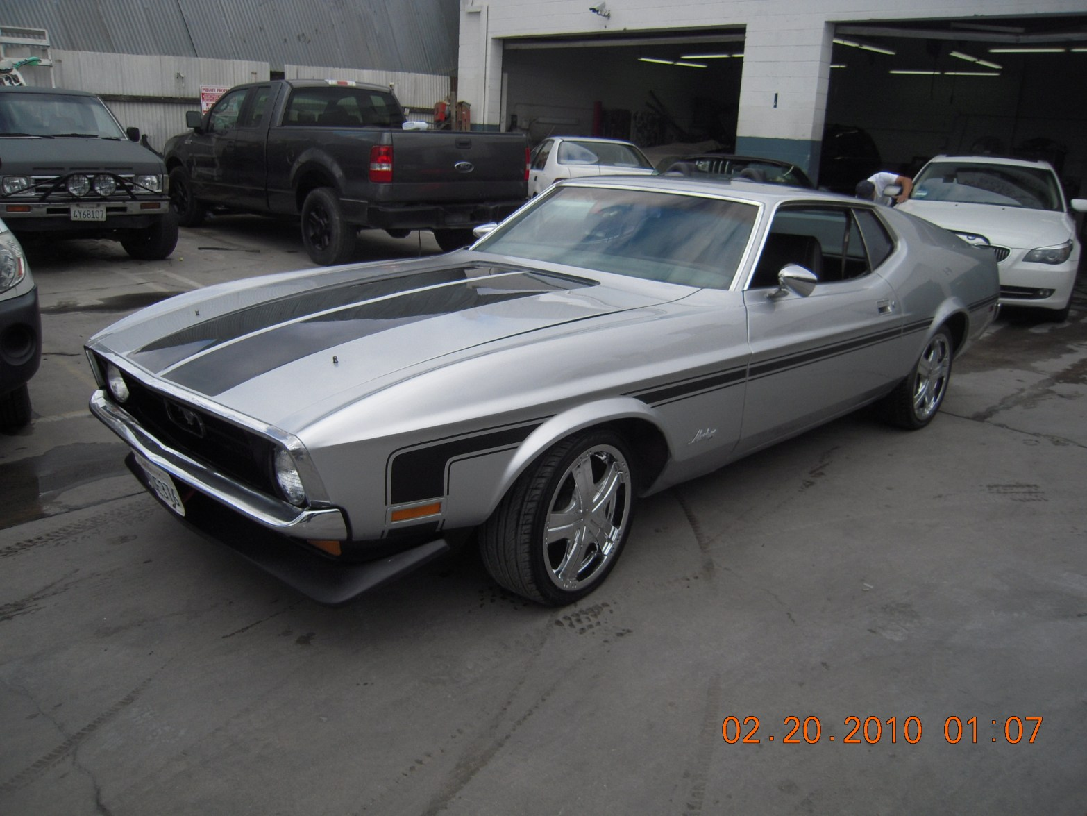 west-coast-body-and-paint-1971-mustang-mach-1-gray-37