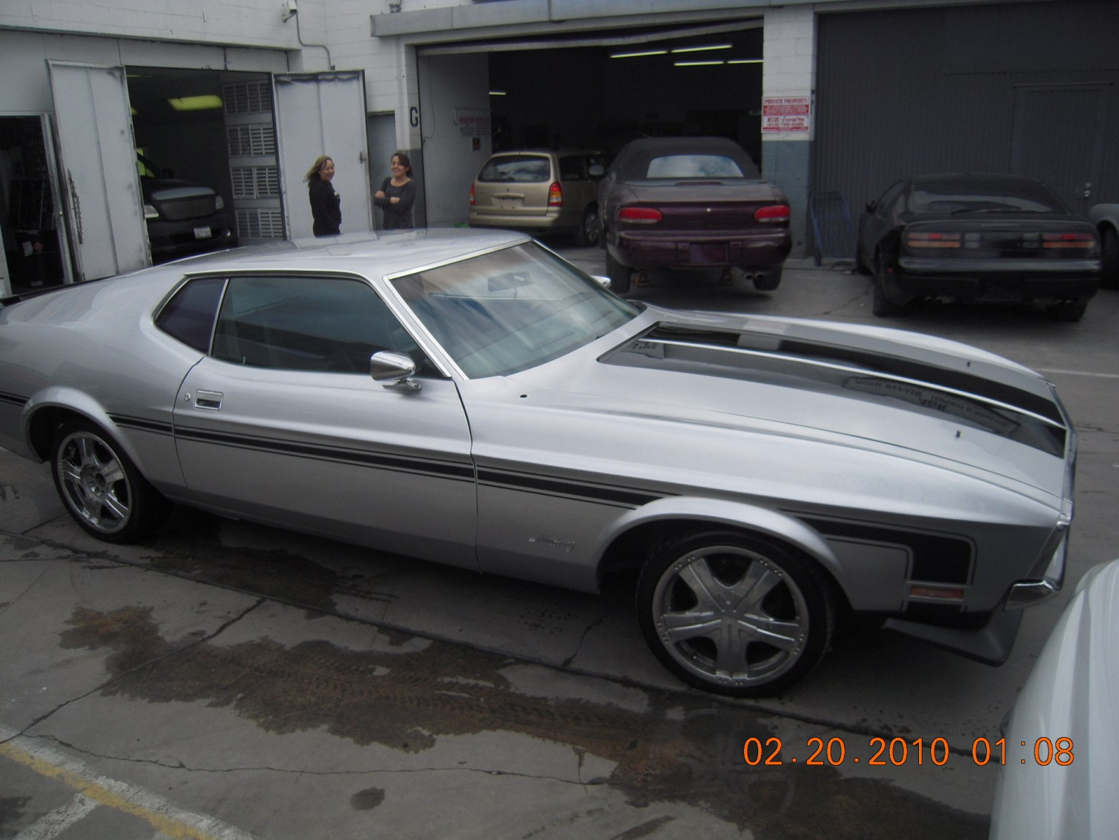 west-coast-body-and-paint-1971-mustang-mach-1-gray-43