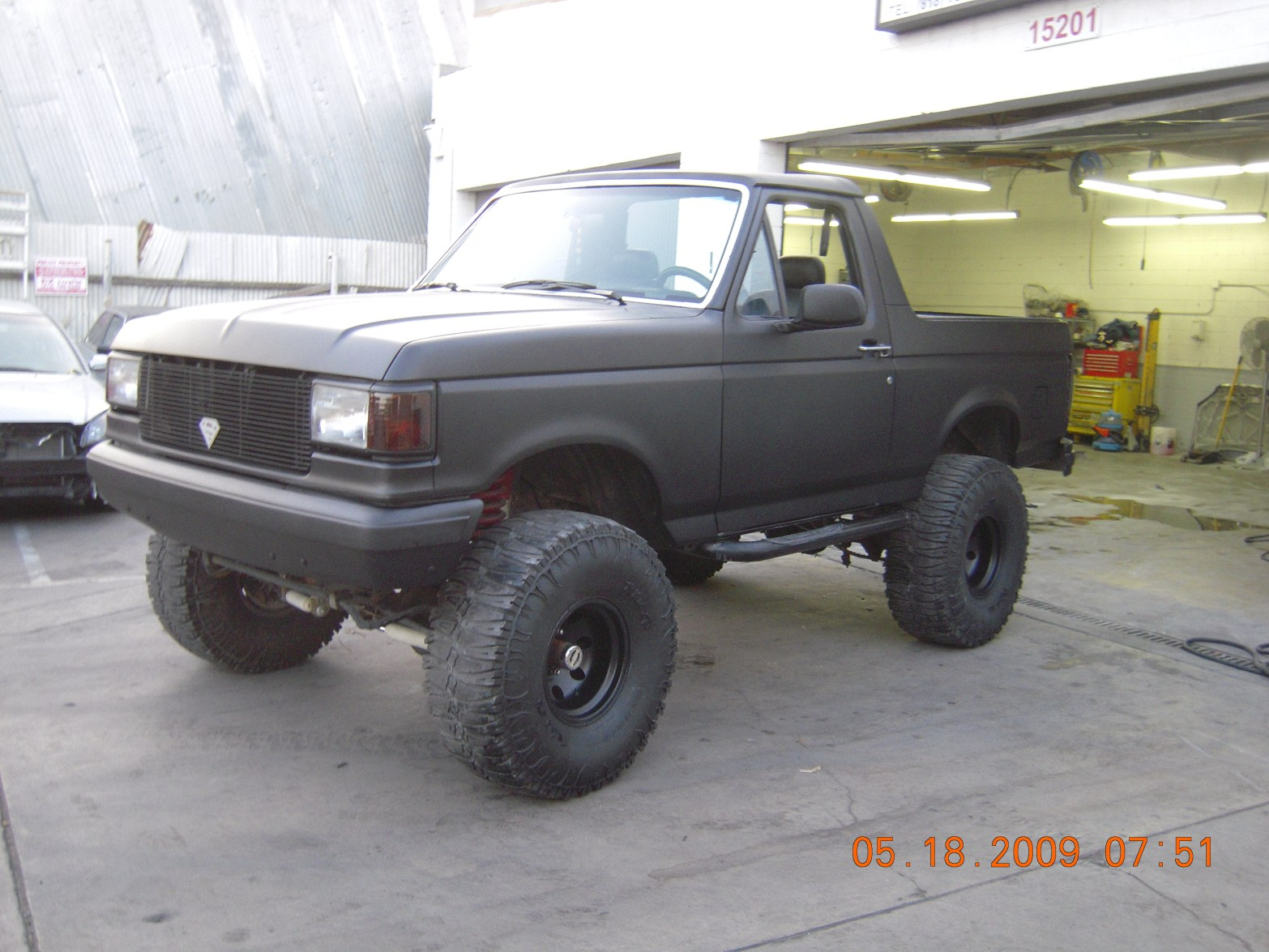 west-coast-body-and-paint-flat-black-bronco-10