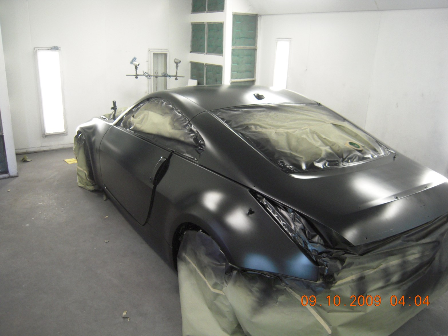 west-coast-body-and-paint-flat-black-nissan-350z-10
