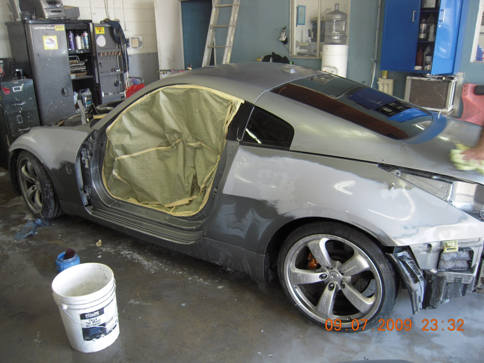 west-coast-body-and-paint-flat-black-nissan-350z-2