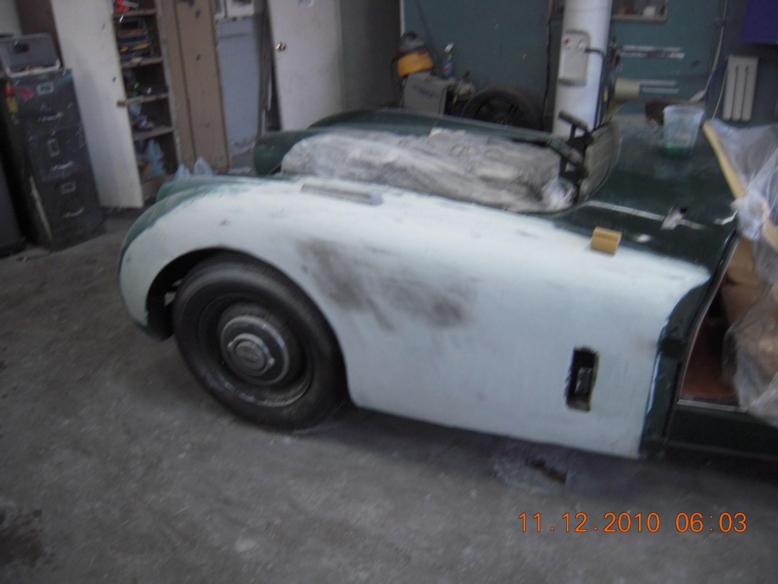 west-coast-body-and-paint-green-1950-jaguar-xk120-22