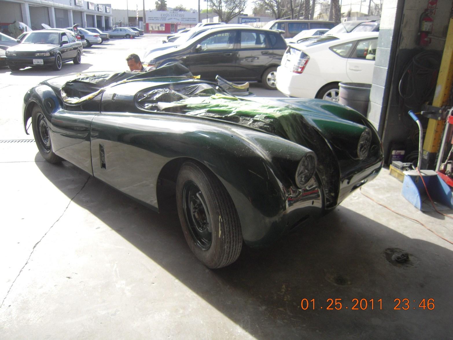 west-coast-body-and-paint-green-jaguar-xk120-16