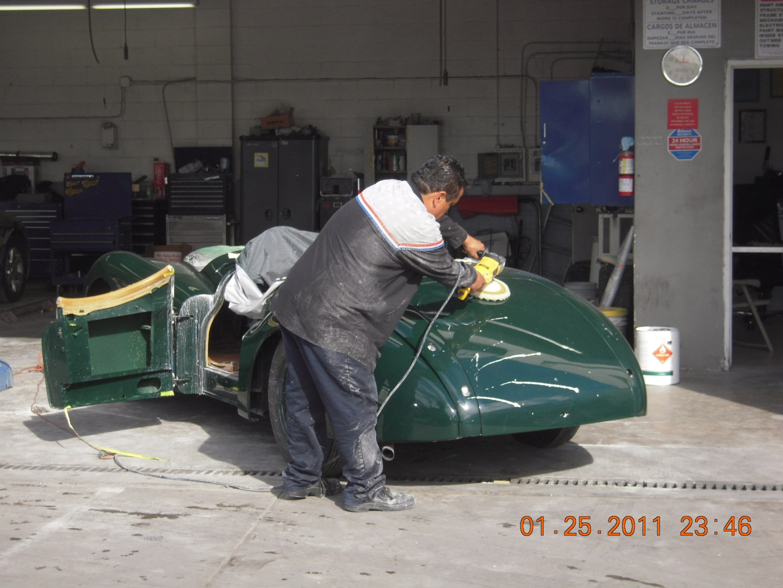 west-coast-body-and-paint-green-jaguar-xk120-19