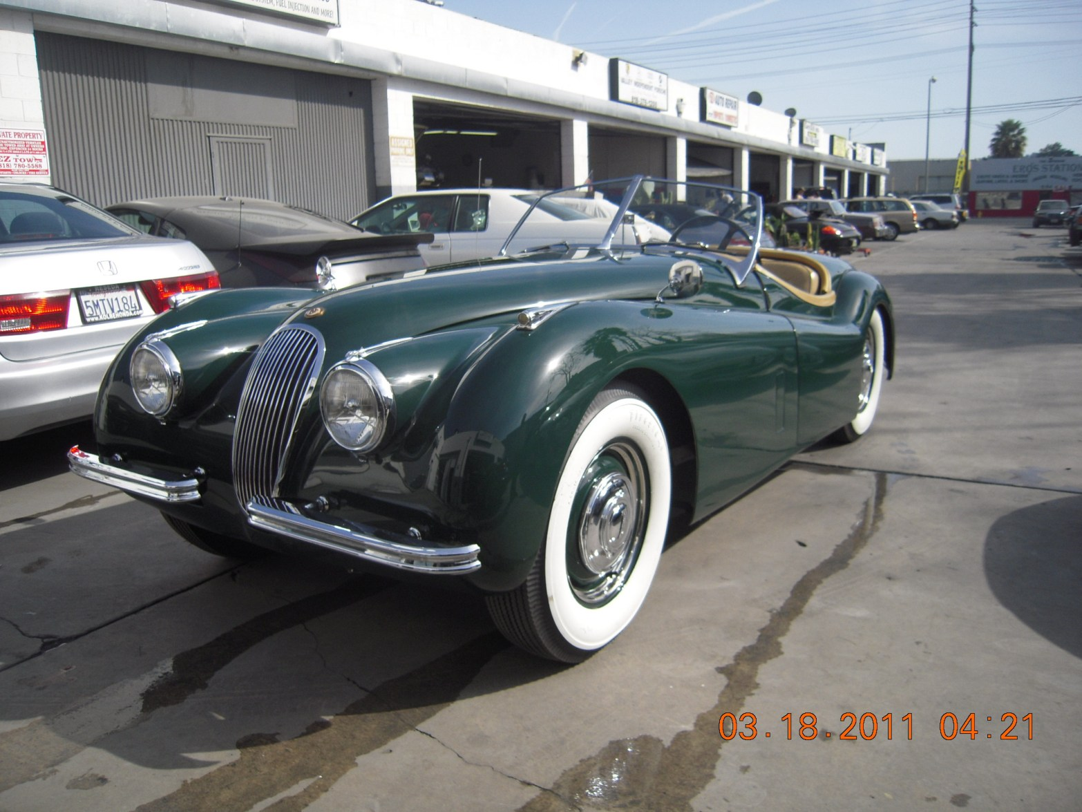 west-coast-body-and-paint-green-jaguar-xk120-34