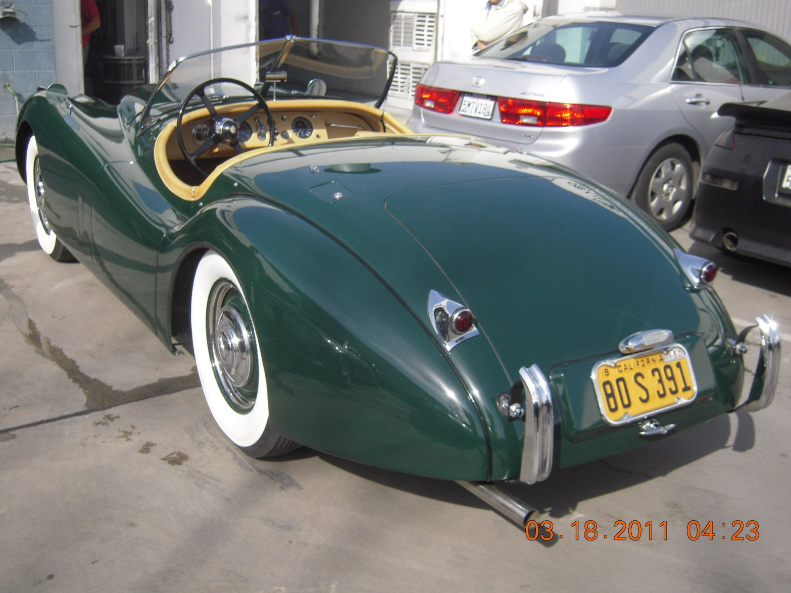west-coast-body-and-paint-green-jaguar-xk120-40