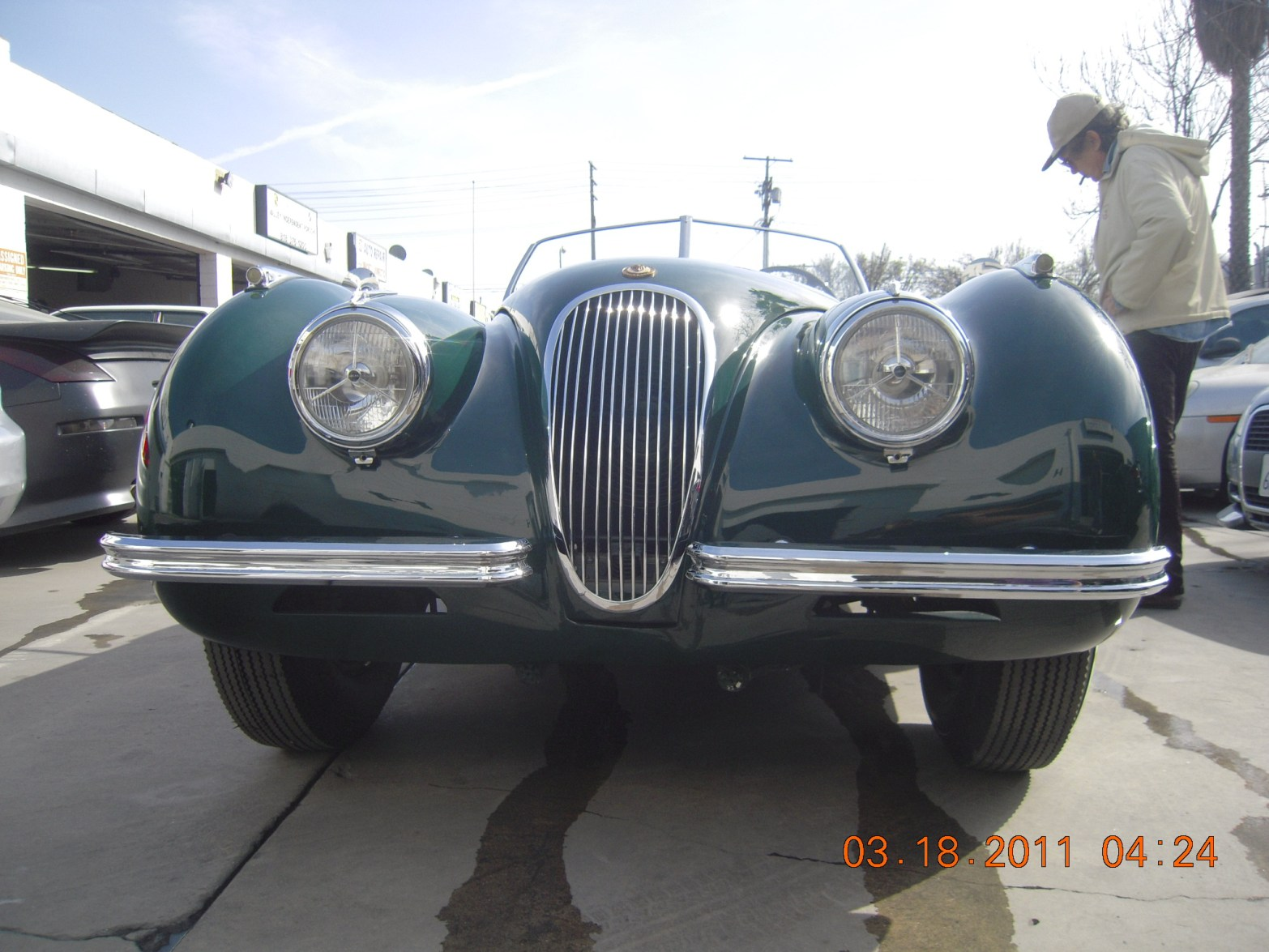 west-coast-body-and-paint-green-jaguar-xk120-46