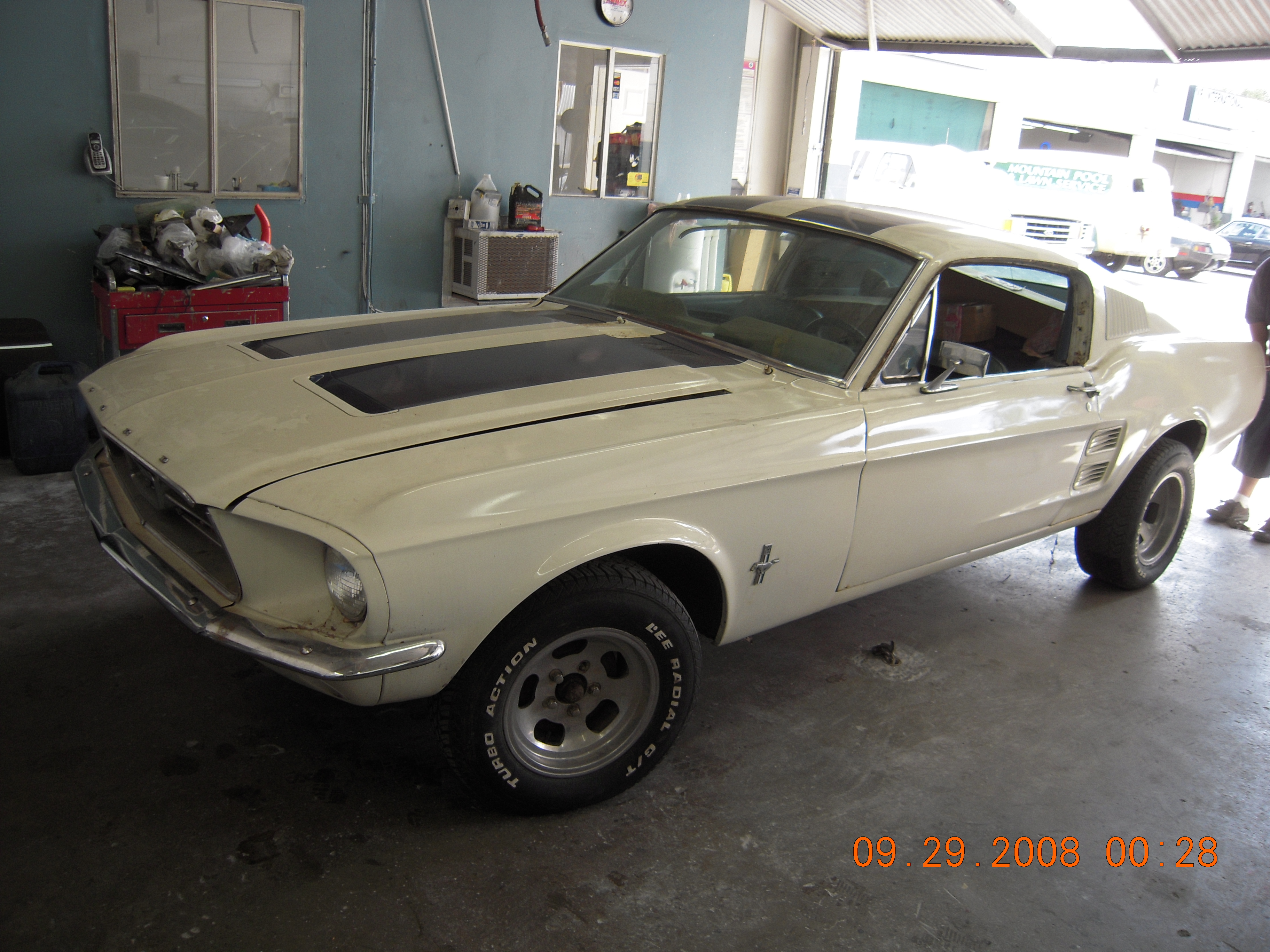 west-coast-body-and-paint-mustang-fastback-42