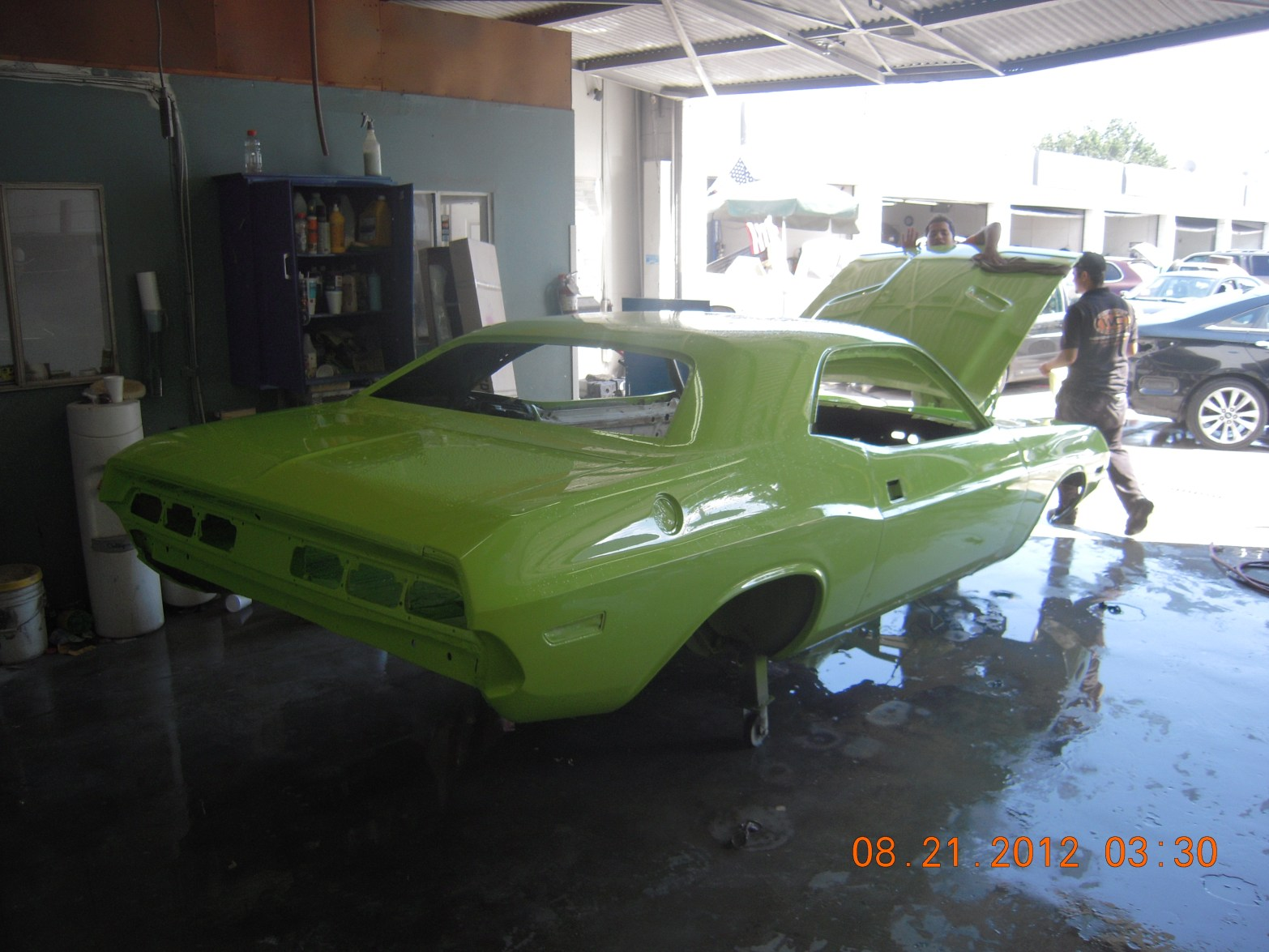 west-coast-body-and-paint-sublime-green-1971-dodge-challenger-29
