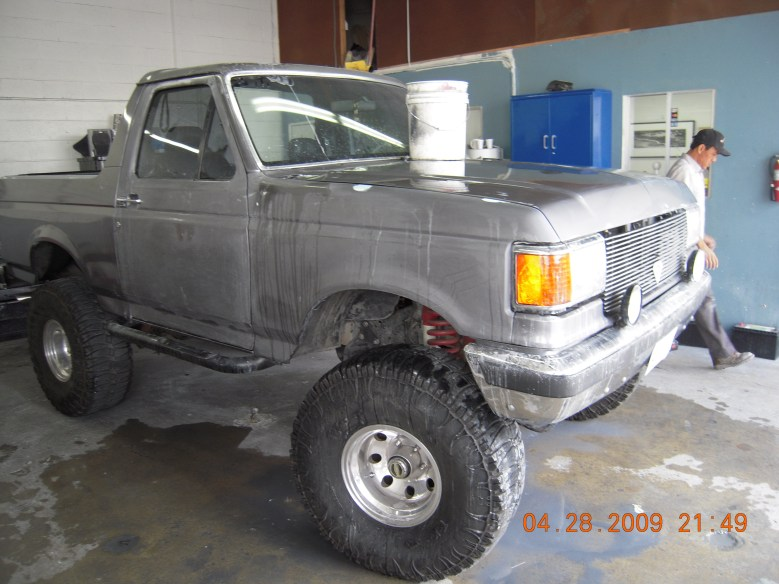 West-Coast-Body-And-Paint-Flat-Black-Bronco (1)