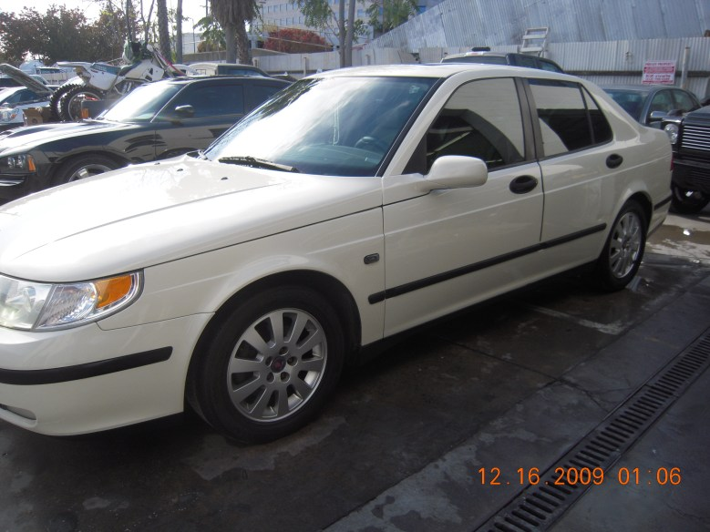 West-Coast-Body-And-Paint-White-2002-Saab (7)