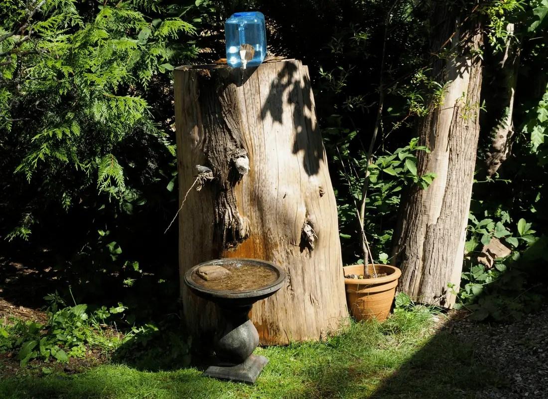 Birdbath drip for birds