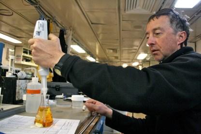 Dale Hubbard making a standard for oxygen sample analysis. Photo credit: Melissa Ward