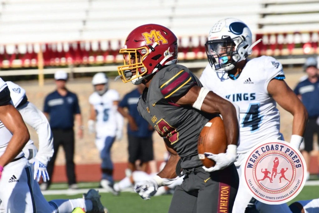 Jalen Moss makes a catch in Menlo-Atherton's 34-0 win over Pleasant Valley on Sept. 11, 2021. Chris Jackson / Staff Photo