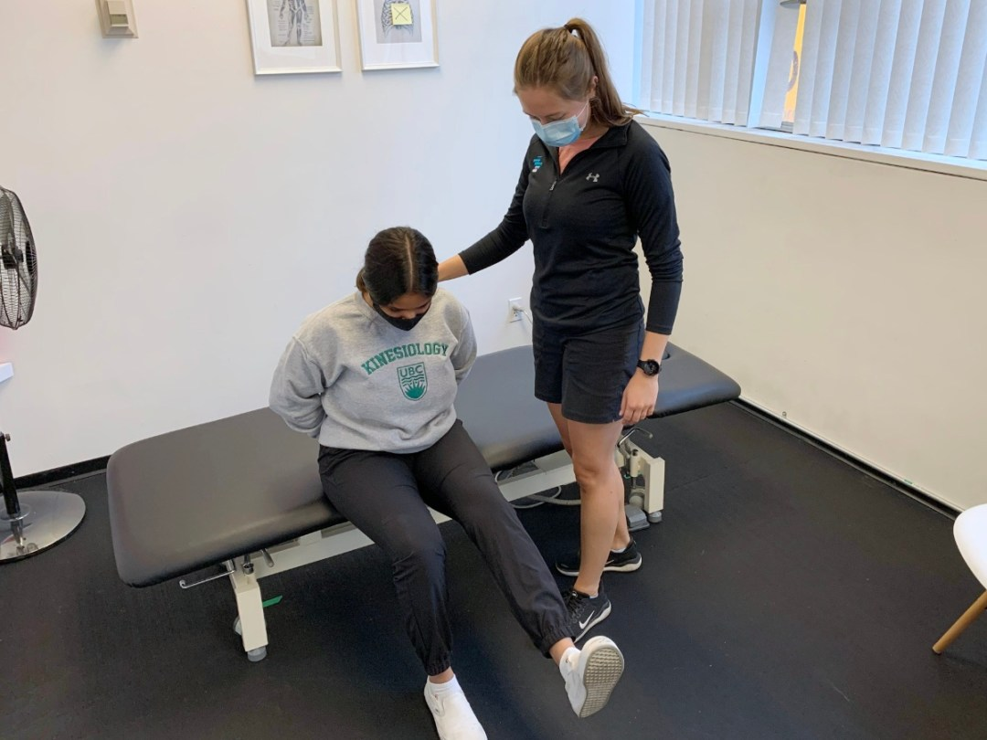 physiotherapy doing assessment