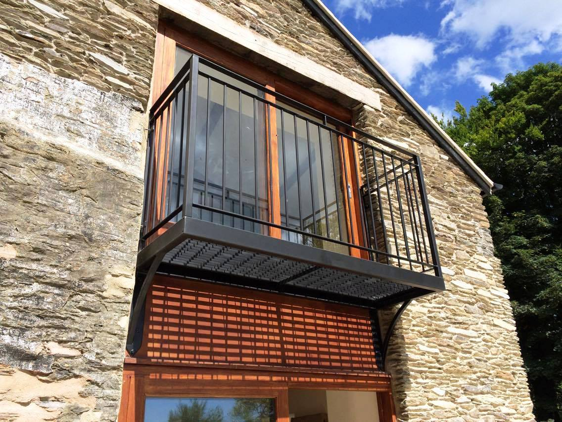 Bespoke balcony by West Country Blacksmiths