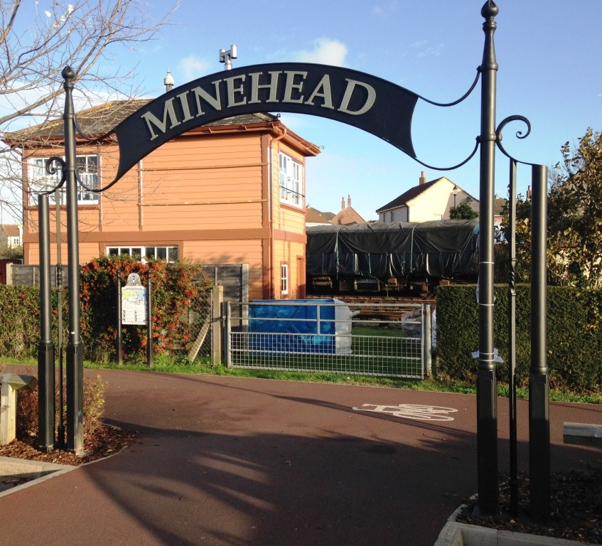 Minehead & Morrisons heritage link arch