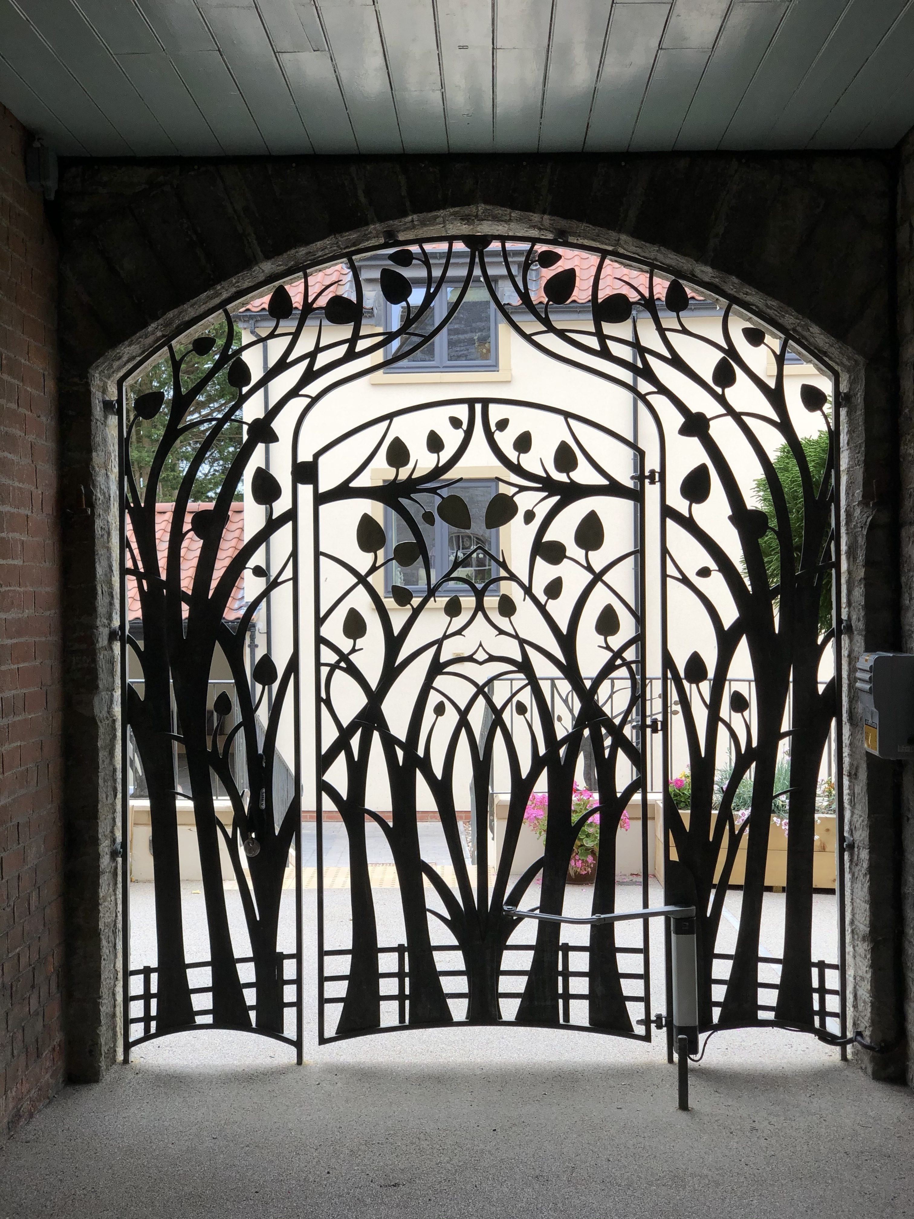 Courthouse Mews - Bespoke Metalwork automated gate