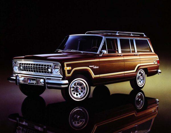 04-jeep-wagoneer