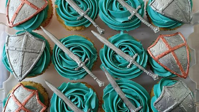 Fencing-themed Cupcakes