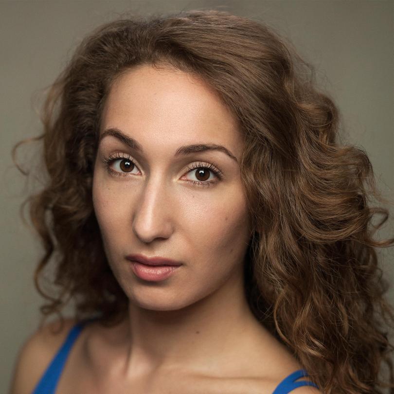 Emma Kingston Headshot
