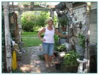 Cynthia Rowley Solar Garden Decorative Stake