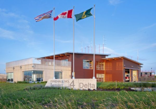 Modern fire stations must be functional with a design that is mindful of mental health needs as well as the need for speed when calls come in. The brand-new Boundary Bay Fire Hall in Delta, British Columbia, achieves all of these points and more.