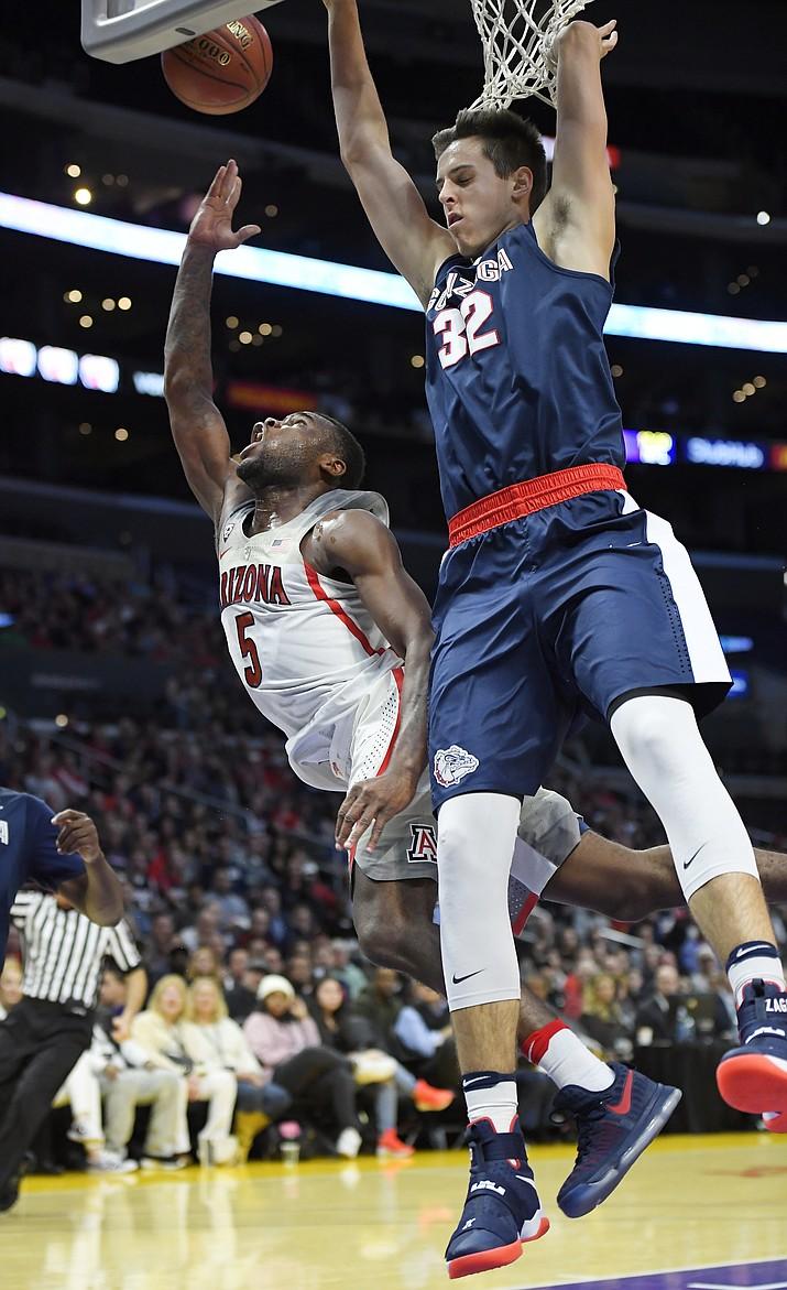 College Basketball 8 Gonzaga 69 16 Arizona 62 Streak