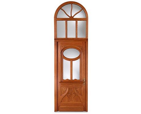 Nachbau einer historischen Haustür mit Rundbogen ©M. Ketz