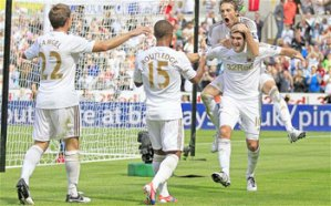 West Ham United lose 3 nil at Swansea