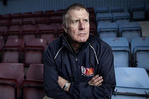 Jack Wilshere invites injury problems says legend Geoff Hurst
