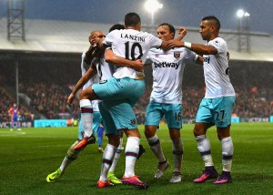 Video Palace v West Ham- Cresswell assist, Benteke penalty miss and shocking Atkinson!