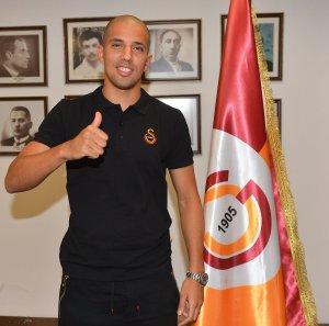 Sofiane Feghouli signs for Galatasaray