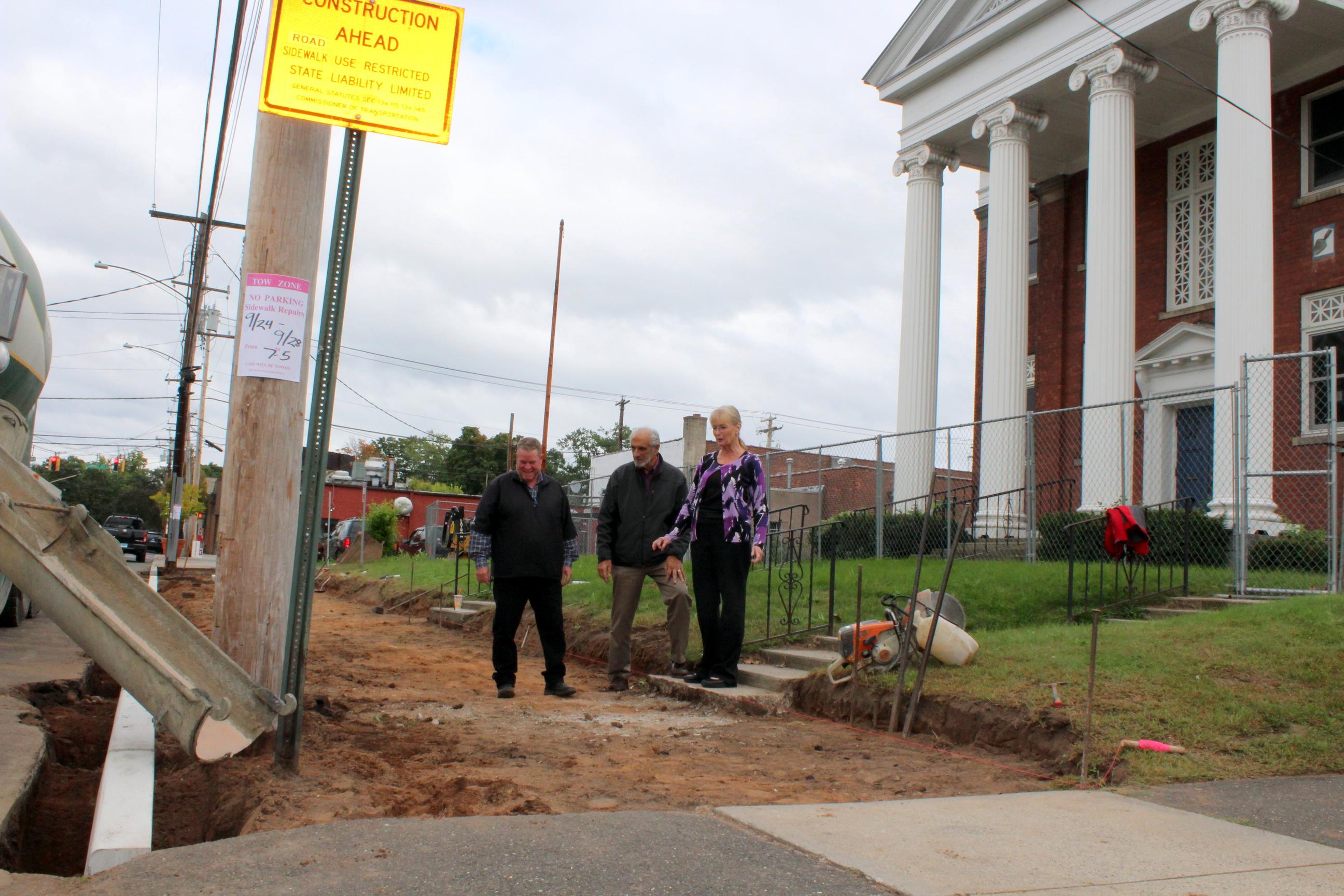 New sidewalks for Arts Center
