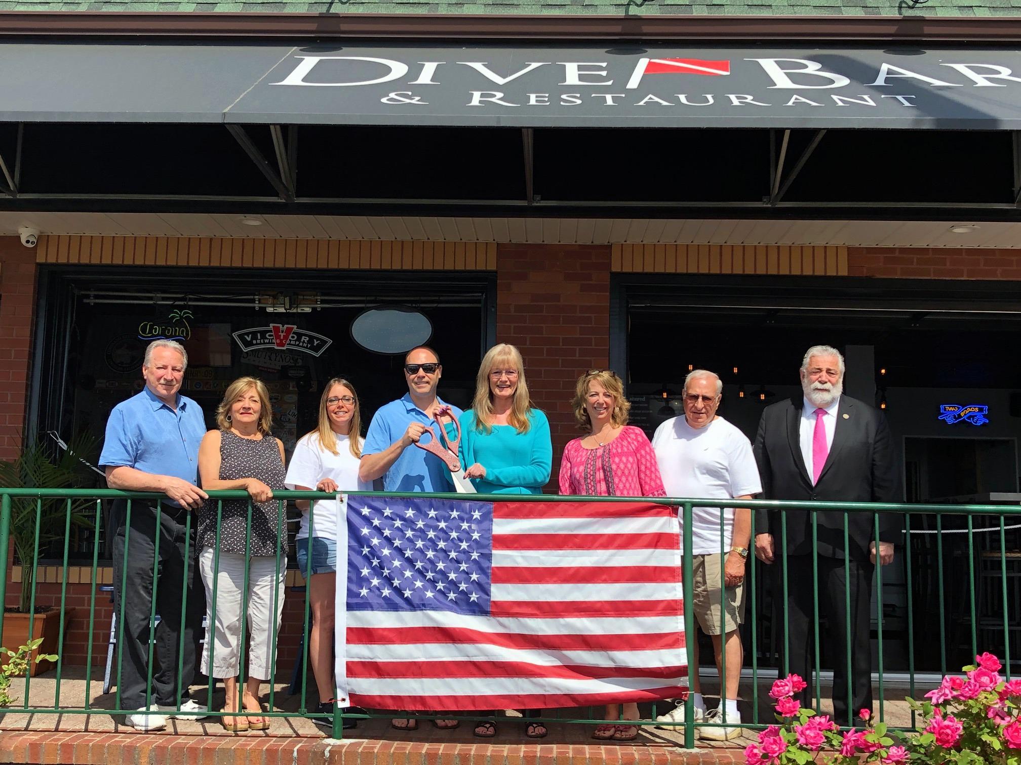 Dive Bar celebrates expansion