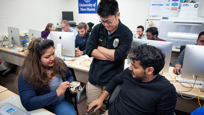 Federal grant aids cyber scholars
